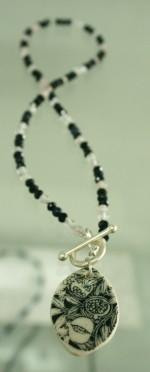 bw pomegranate leaf crystal necklace
