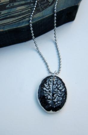 brain pendant bw
