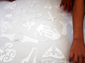 loreto-stencils-hands